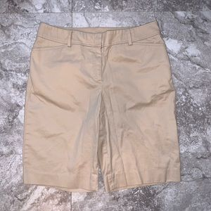 🌈3 For $25🌈TALBOTS Perfect Short in Khaki Size 6
